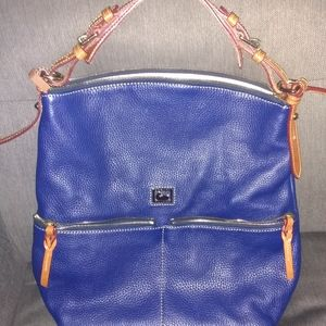 Dooney & Bourke hobo purse very nice